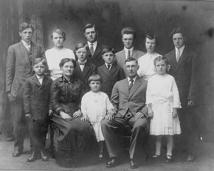 family portrait of Lewis Scheidel