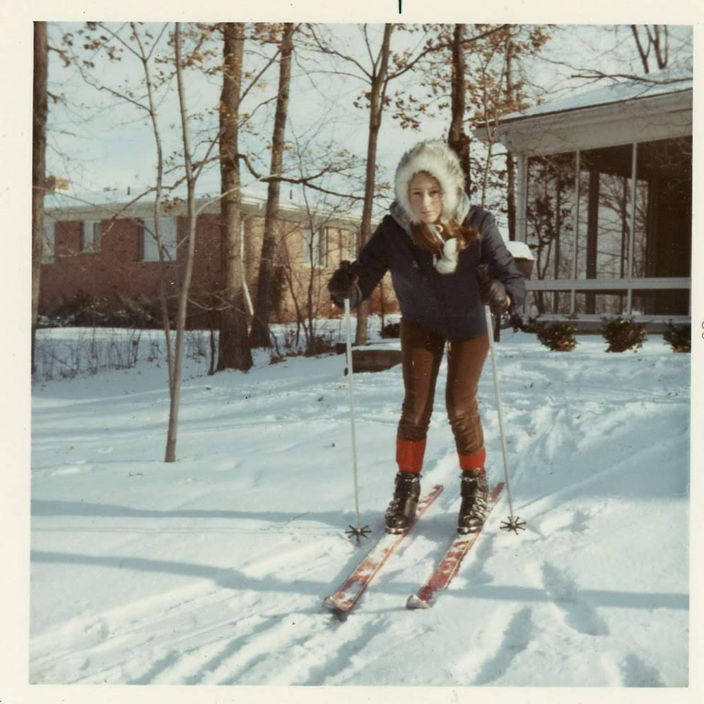 Linda Claire on skis
